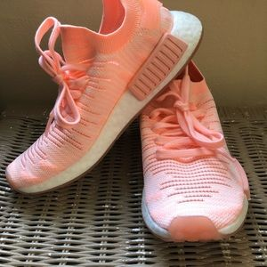 Bright pink women's NMD's size 7!
